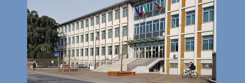Il nuovo piazzale dell'istituto Rossi