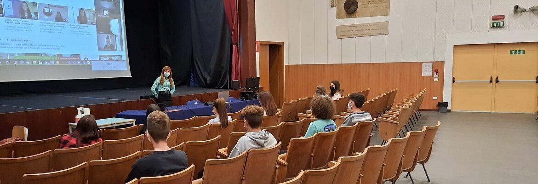 Le studentesse del Rossi hanno partecipato all'evento nazionale Coding Girls